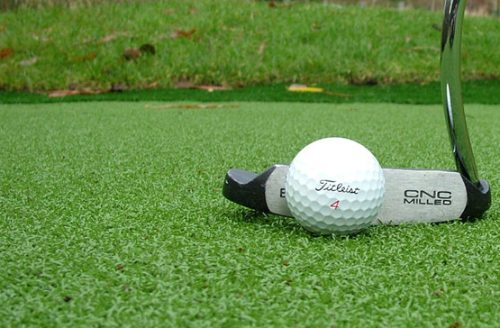 Ventajas del Césped Artificial para Golf y Putting Green