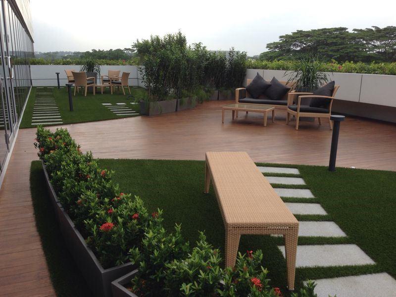 césped artificial en terraza